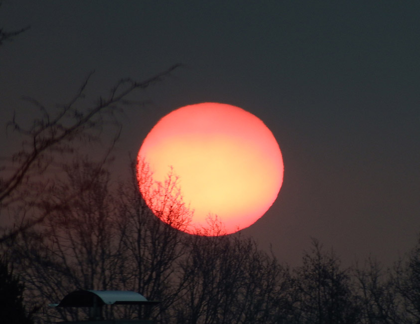 Roter Sonnennaufgang